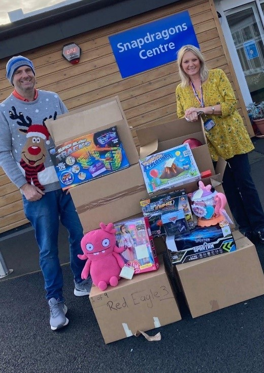 Snapdragons Children's Centre Christmas gift appeal reaches over 300 Medway children and their families